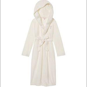 Victoria's Secret Cozy Sherpa Hooded Robe